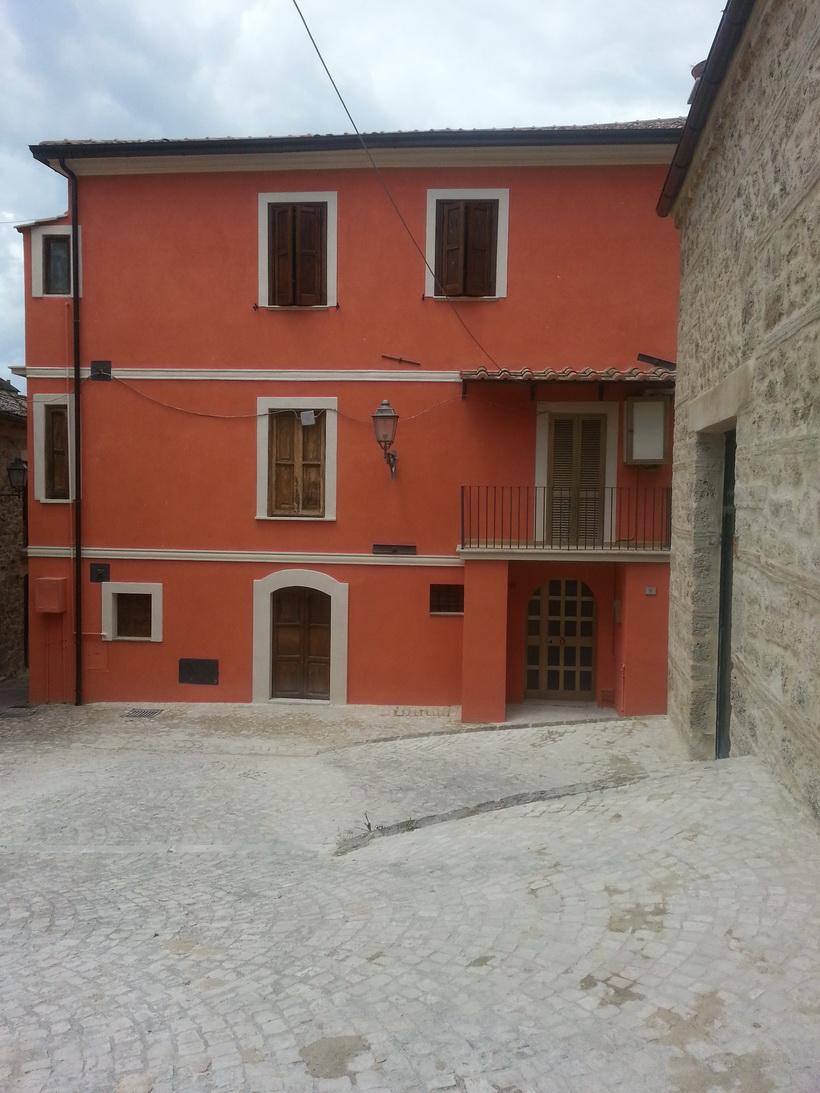 Colori di facciate di case boiserie in ceramica per bagno - Colori case esterni ...